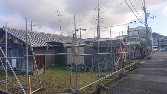 京都市内の市営住宅の解体足場1