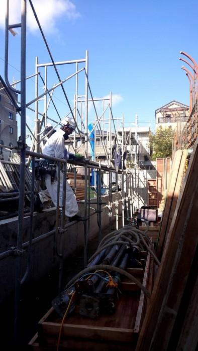 山科区御陵の新築マンションの地足場~2Fまでの組立状況5