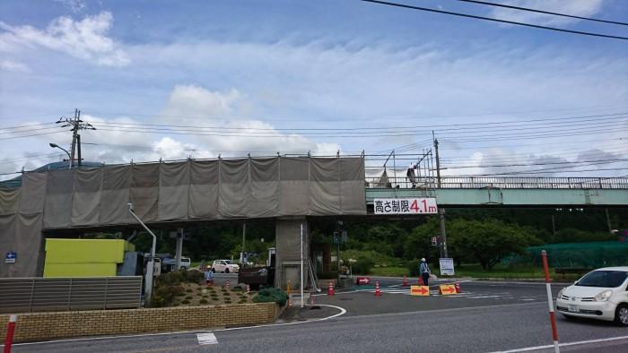 米原の歩道橋吊り足場 (4)