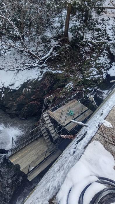 京都京北町の砂防ダム改修のステージと通路足場7