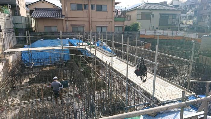 山科区御陵の新築マンションの地足場~2Fまでの組立状況1