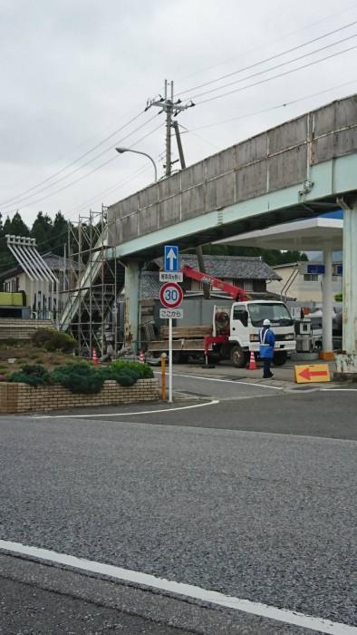米原の歩道橋吊り足場 (3)